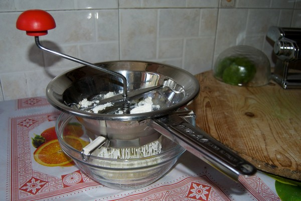 L'attrezzatura per fare la pasta fresca
