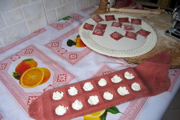 Ravioli rossi di mozzarella di bufala